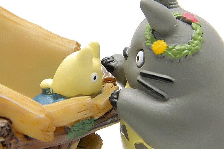 Totoro 5cm With Push Car Figurines